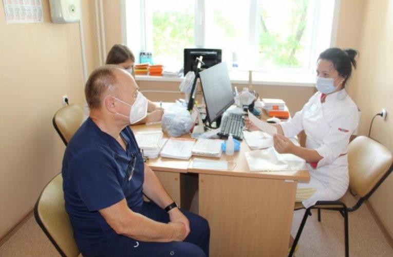 Ведущие липецкие медики обследовали жителей Усманского района